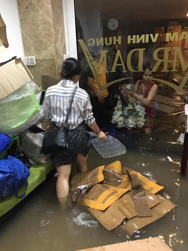Biệt thự 3 triệu USD của Mr. Đàm bị ngập sâu sau mưa lớn - ảnh 3