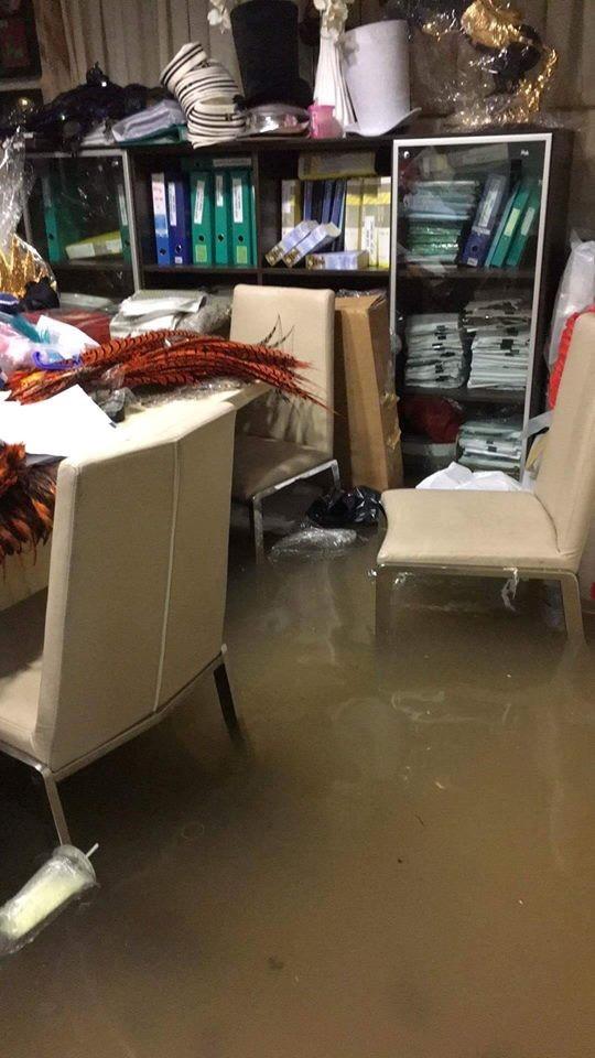 Biệt thự 3 triệu USD của Mr. Đàm bị ngập sâu sau mưa lớn - ảnh 6