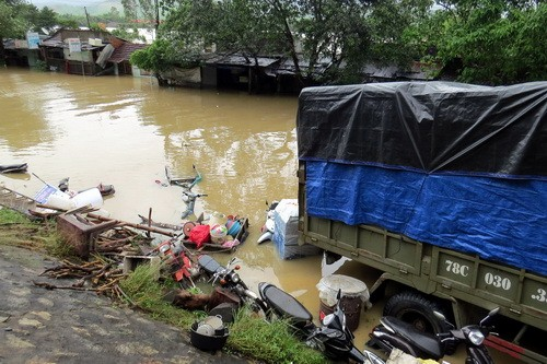 Phú Yên, Bình Định chìm trong biển nước - ảnh 1