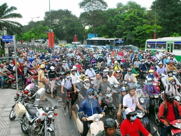 Cấm xe tải lưu thông trên đường kết nối vào sân bay Tân Sơn Nhất - ảnh 1