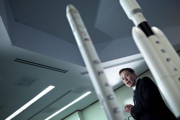 Hé lộ những góc khuất trong cuộc đời vị tỷ phú Elon Musk - ảnh 1