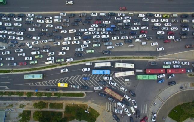 Cầu 100 triệu đô gây tắc đường ở Trung Quốc - ảnh 6