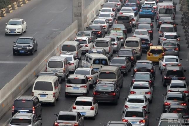 Cầu 100 triệu đô gây tắc đường ở Trung Quốc - ảnh 2