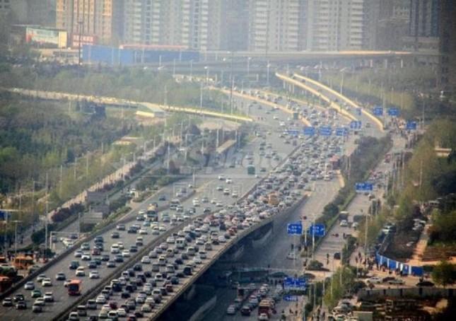 Cầu 100 triệu đô gây tắc đường ở Trung Quốc - ảnh 3
