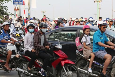 Cấm xe máy ở Hà Nội là 'phương án khó' - ảnh 1