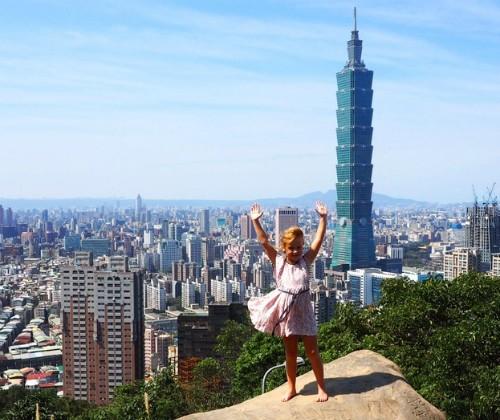 'Một năm đi chơi nước ngoài, mẹ con tôi tiêu tiền ít hơn ở nhà' - ảnh 3