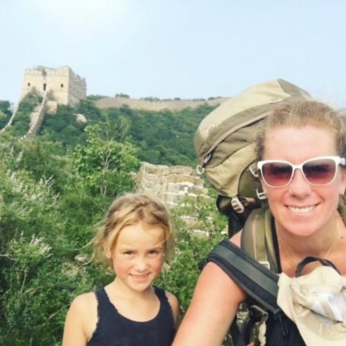 'Một năm đi chơi nước ngoài, mẹ con tôi tiêu tiền ít hơn ở nhà' - ảnh 1
