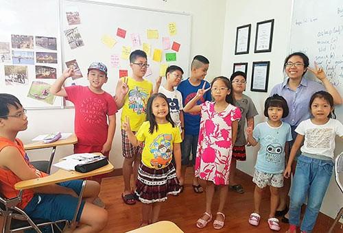 Bí quyết để trẻ say mê học tiếng Anh - ảnh 1