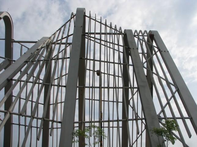 Cổng chào hai trăm tỷ ở Quảng Ninh - ảnh 4