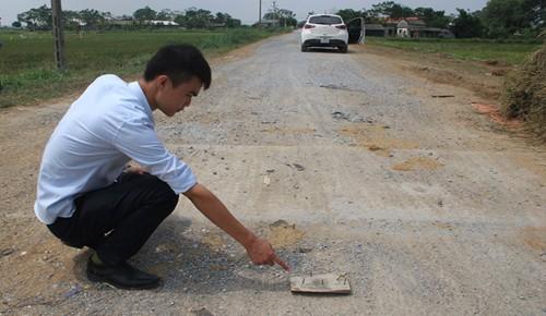 Xuất hiện 'bẫy' đinh trên nhiều tuyến đường ở Thanh Hóa - ảnh 1