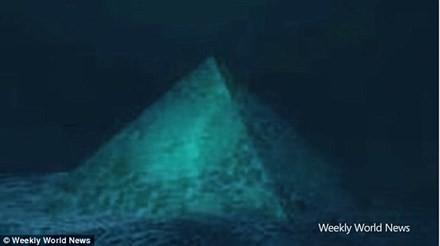 Bí ẩn 'kim tự tháp pha lê' nằm dưới tam giác quỷ Bermuda - ảnh 1