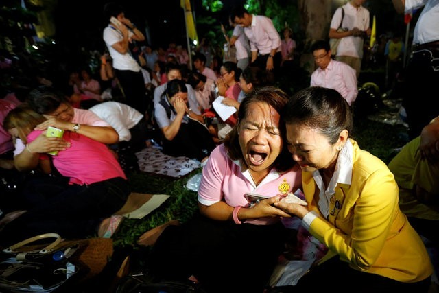 Thái Lan sẽ để tang quốc vương trong một năm - ảnh 4