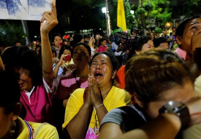 Thái Lan sẽ để tang quốc vương trong một năm - ảnh 3