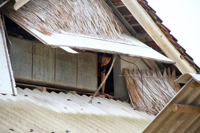 Nghìn người ở Hà Tĩnh chui mái nhà chờ nước rút - ảnh 3