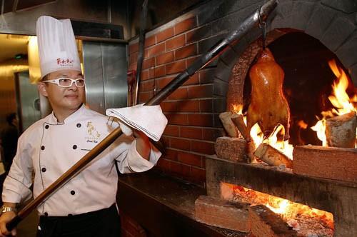 Vịt quay Bắc Kinh, món ăn đến vua chúa cũng phải thèm - ảnh 6