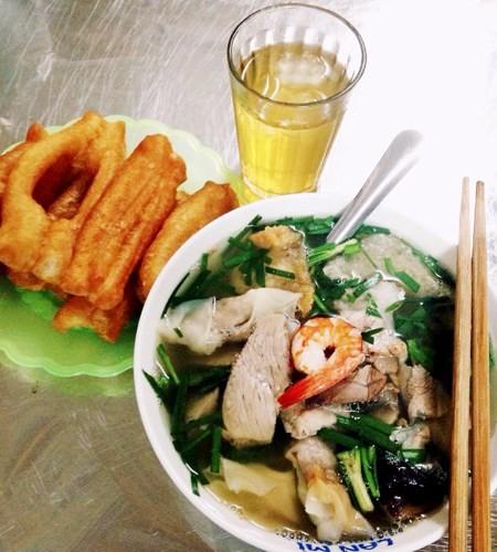 Những quán ăn hơn 25 năm tuổi ở Hà Nội luôn đông khách - ảnh 3