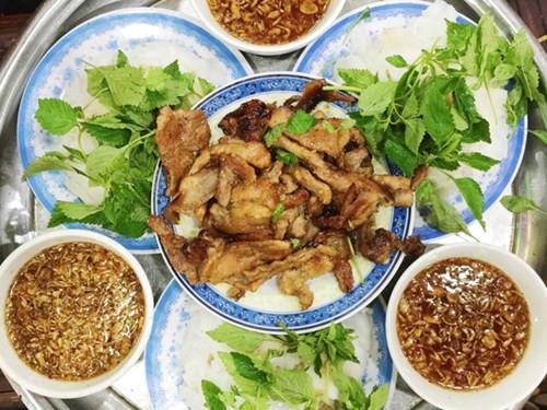 Những quán ăn hơn 25 năm tuổi ở Hà Nội luôn đông khách - ảnh 5