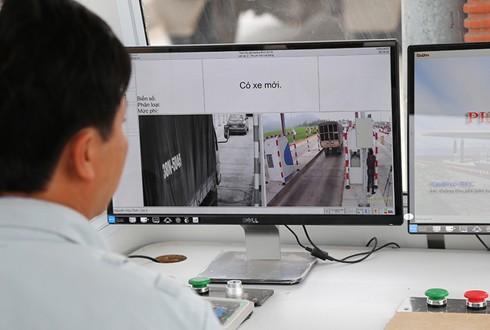 Phó thủ tướng yêu cầu khẩn trương triển khai thu phí không dừng tại các trạm BOT - ảnh 1