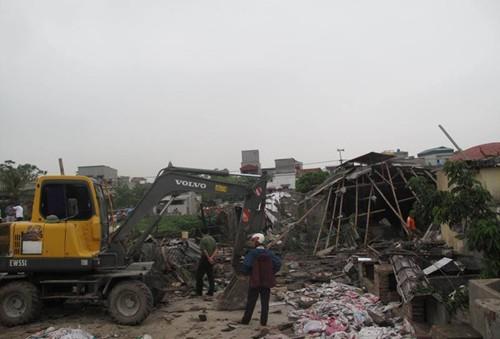 Nồi hơi phát nổ đánh sập nhà xưởng, 4 phụ nữ thiệt mạng. - ảnh 1