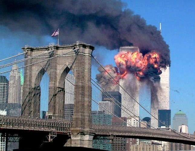 Những khoảnh khắc khó quên trong vụ khủng bố chấn động Mỹ - ảnh 2