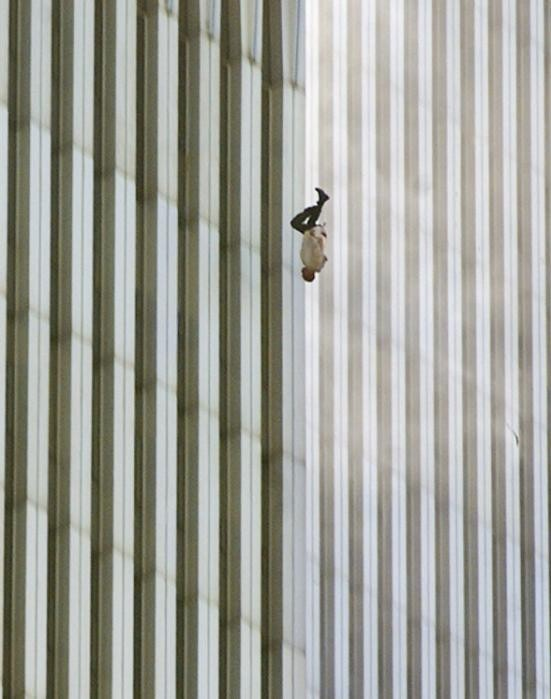Những khoảnh khắc khó quên trong vụ khủng bố chấn động Mỹ - ảnh 3