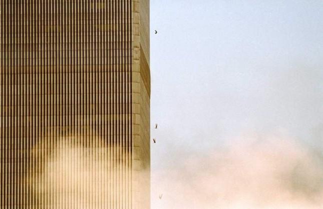 Những khoảnh khắc khó quên trong vụ khủng bố chấn động Mỹ - ảnh 4