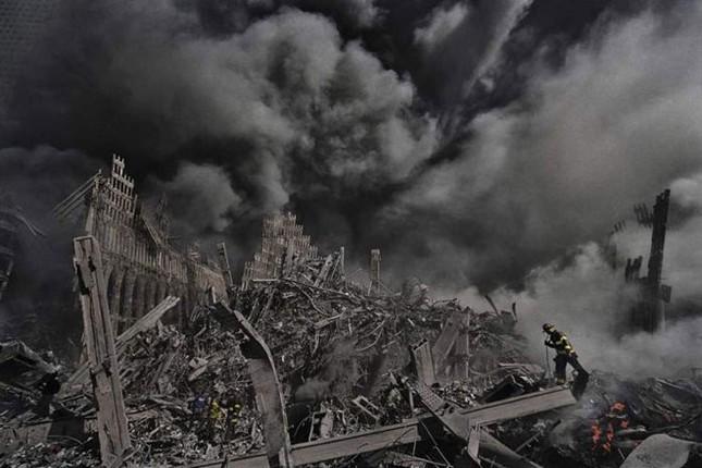 Những khoảnh khắc khó quên trong vụ khủng bố chấn động Mỹ - ảnh 6