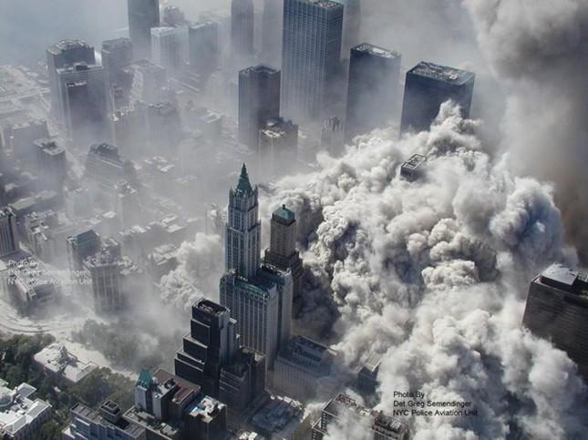 Những khoảnh khắc khó quên trong vụ khủng bố chấn động Mỹ - ảnh 7