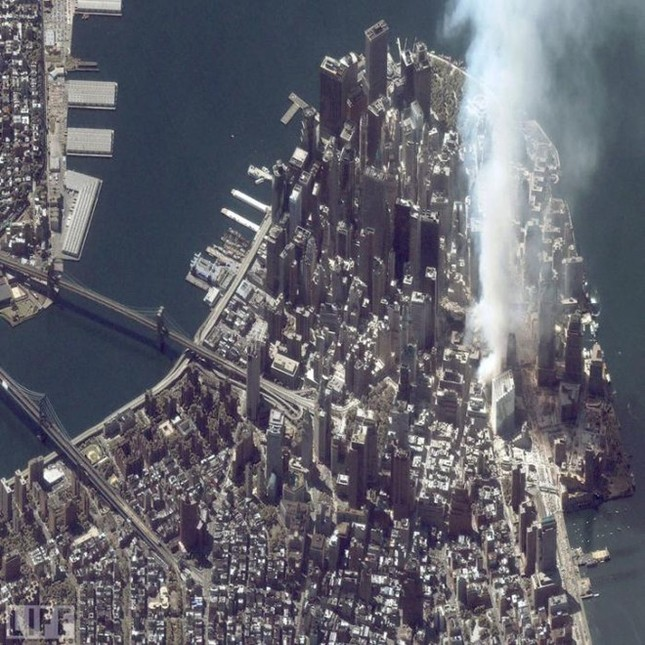 Những khoảnh khắc khó quên trong vụ khủng bố chấn động Mỹ - ảnh 9