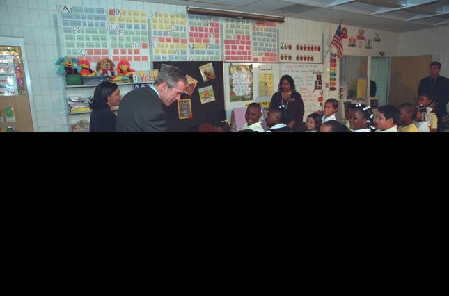 Tổng thống Bush đã làm gì trong ngày 11/9/2001 - ảnh 1