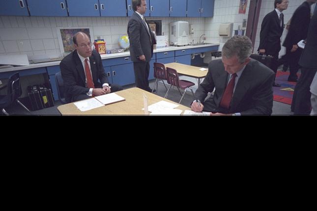 Tổng thống Bush đã làm gì trong ngày 11/9/2001 - ảnh 5