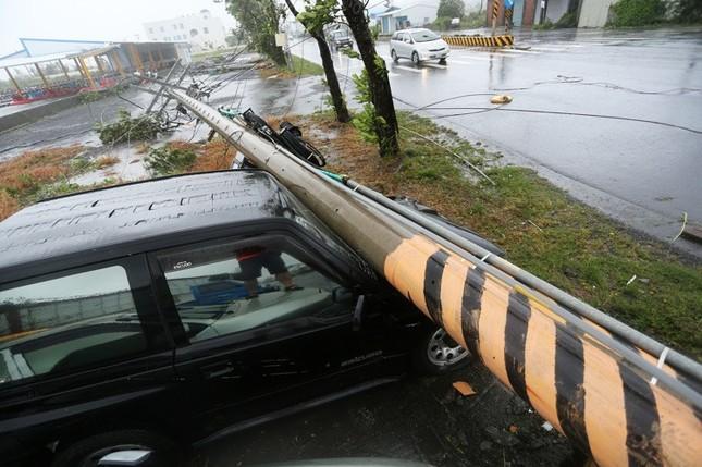 Siêu bão Meranti đổ bộ, Đài Loan tan hoang - ảnh 3