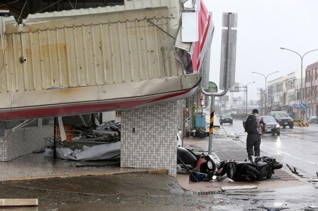Siêu bão Meranti đổ bộ, Đài Loan tan hoang - ảnh 5