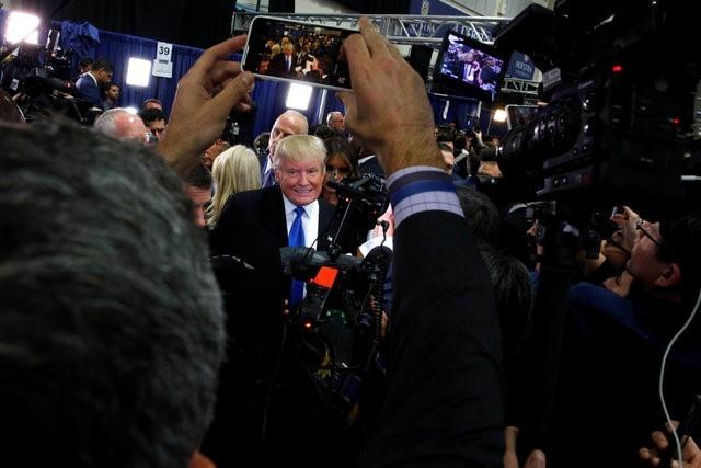 100 triệu lượt người xem Trump đấu khẩu với Clinton - ảnh 16