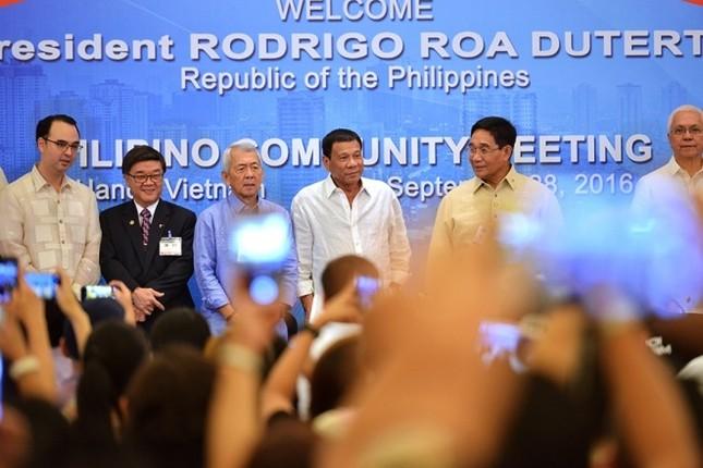 Chuyến thăm Việt Nam đầu tiên của Tổng thống Philippines - ảnh 1