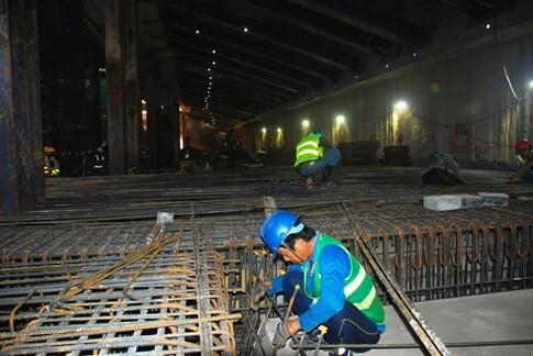 Cận cảnh Metro đầu tiên dưới lòng đất... Sài Gòn - ảnh 16