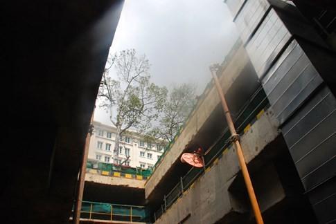 Cận cảnh Metro đầu tiên dưới lòng đất... Sài Gòn - ảnh 17