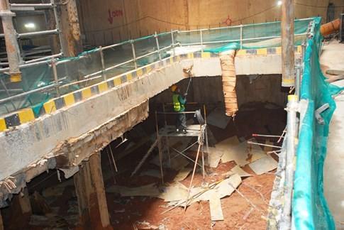 Cận cảnh Metro đầu tiên dưới lòng đất... Sài Gòn - ảnh 13