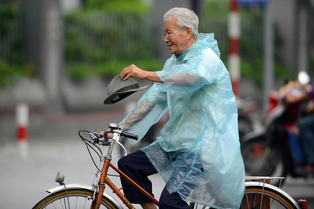 Người Hà Nội trong gió lạnh đầu mùa - ảnh 8