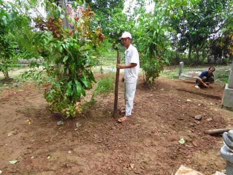 Lấp cát bảo tồn hiện vật nơi nghi chôn cất vua Quang Trung - ảnh 1