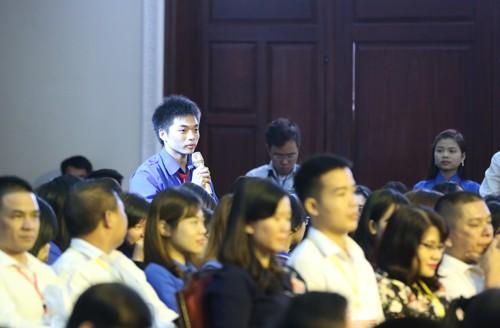 Sinh viên chính trị hỏi Thủ tướng cách khởi nghiệp - ảnh 1