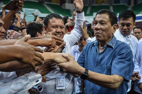 Thăm Trung Quốc, ông Duterte có thể thay đổi cục diện Biển Đông - ảnh 1
