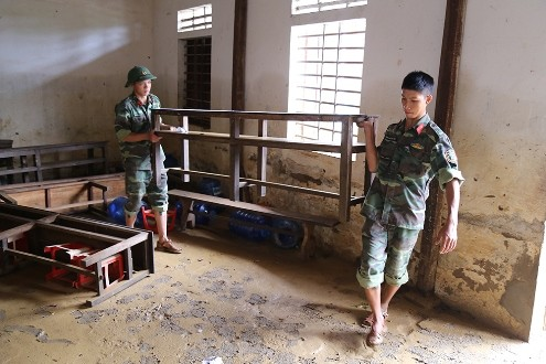 Người dân vùng lũ Quảng Bình cần cứu trợ những gì? - ảnh 1