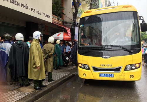 Gần trăm cảnh sát bao vây động lắc của dân chơi Sài Gòn - ảnh 2