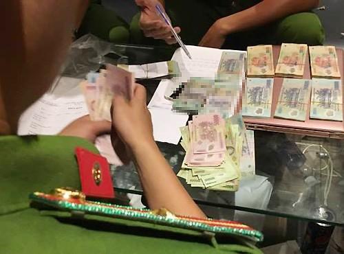 Gần trăm cảnh sát bao vây động lắc của dân chơi Sài Gòn - ảnh 1