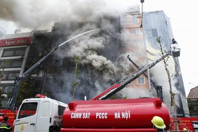 Thủ tướng chỉ đạo khẩn trương tìm kiếm người trong đám cháy - ảnh 14