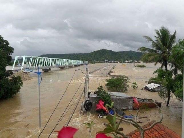 Lũ ngập xe khách ở Phú Yên - ảnh 7