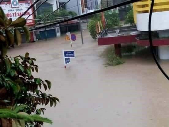 Lũ ngập xe khách ở Phú Yên - ảnh 8