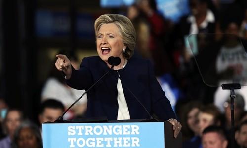 Những bước chạy nước rút cuối cùng của Trump và Clinton - ảnh 1