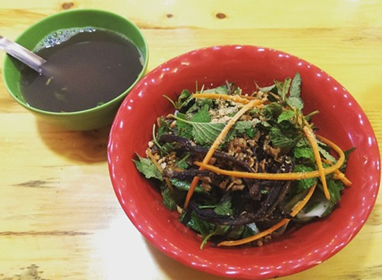 Những quán ăn trên 30 năm đắt khách ở Hà Nội - ảnh 2